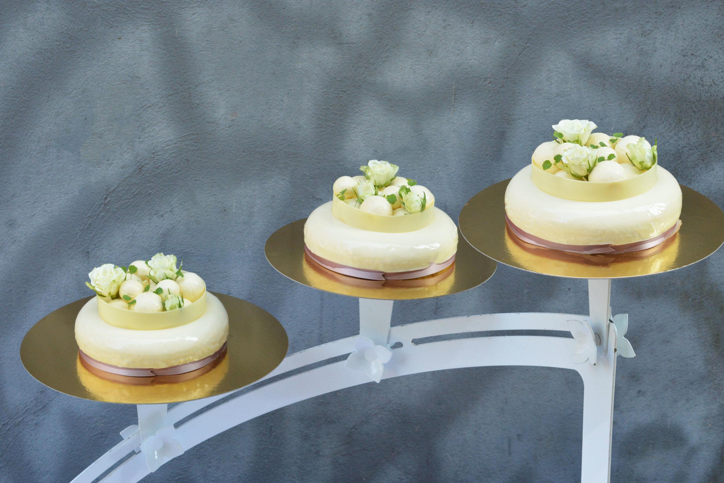 Bröllopstårta 3.jpg