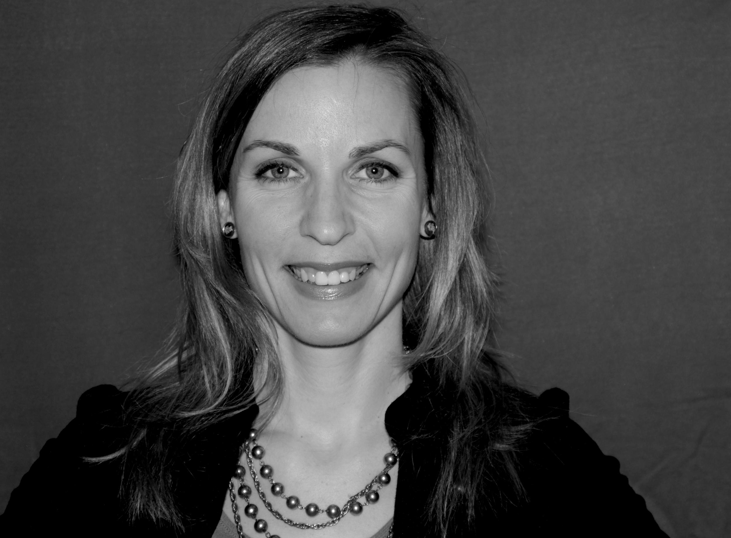 Vicky Jobin, M. Sc.  Partenaire stratégique en croissance et transmission d'entreprise  Capital V  418-559-2760  vicky.jobin@capitalv.ca