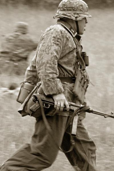 German_Waffen_SS_3527-400x600.jpg