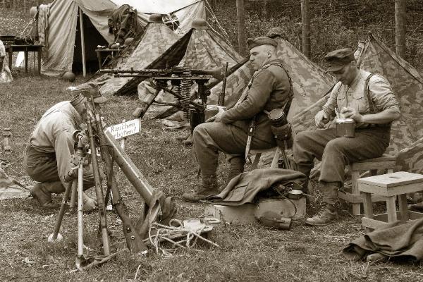 Germans_in_camp_3694-600x400.jpg