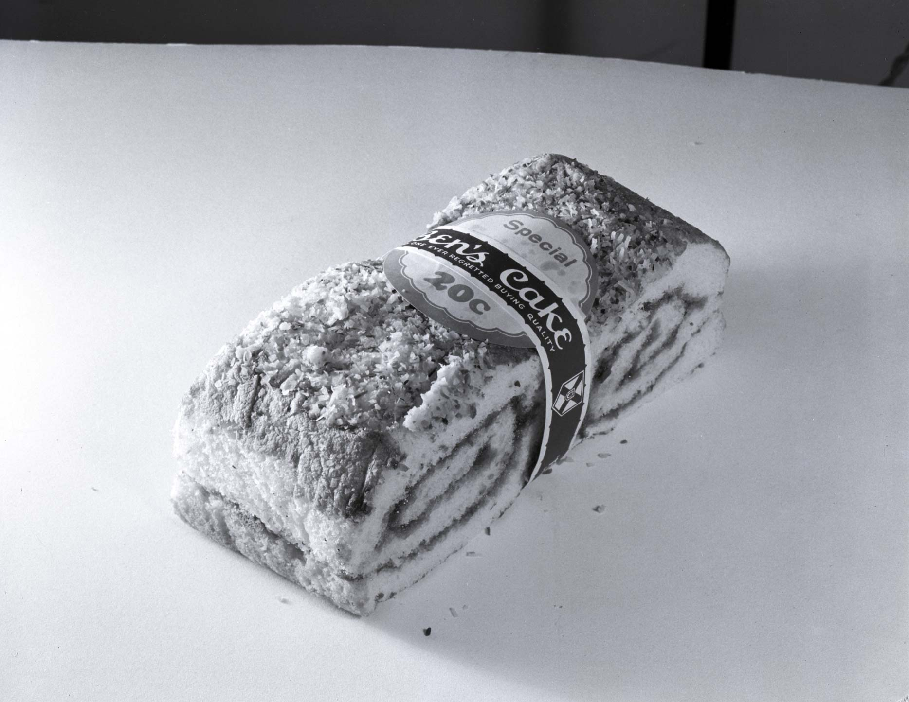 Ben's Bakery had ballsoutjelly roll cake gamein the 40s.