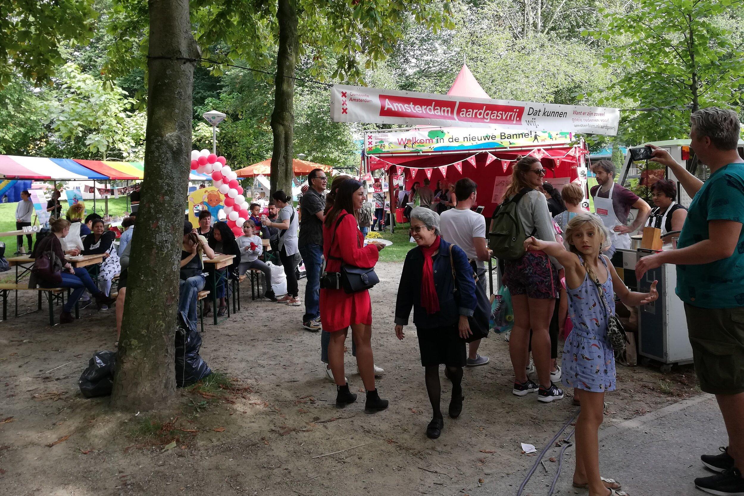 De druk bezochte Banne Bruist markt van zondag