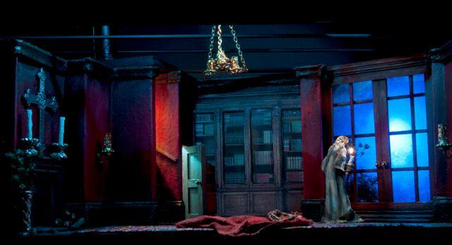 Theatrical Moonbox