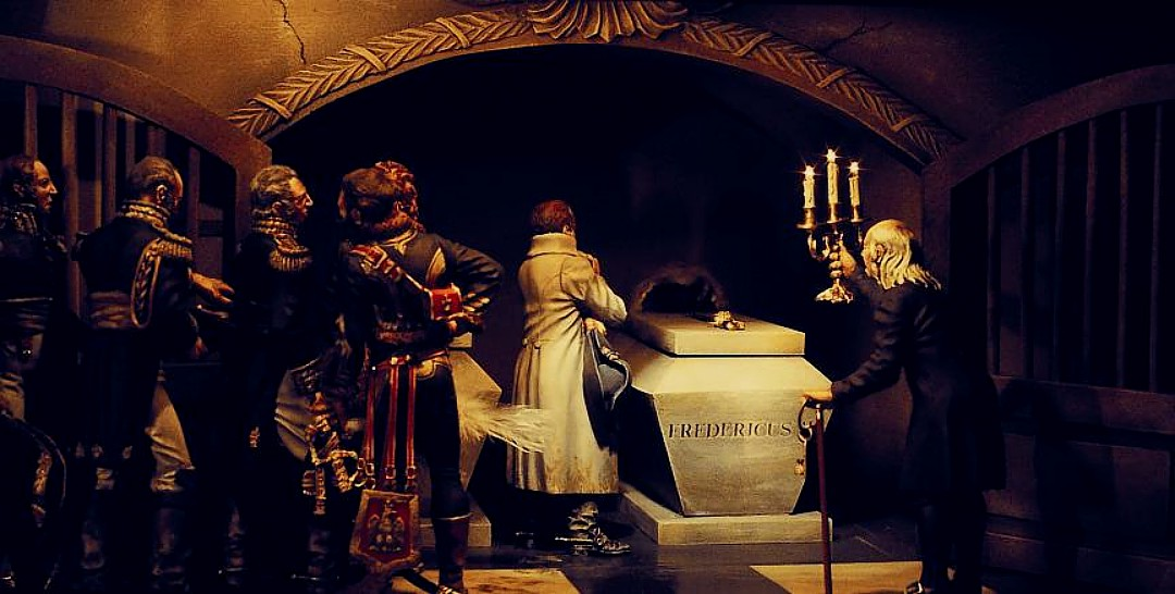 """Napoleon at the Tomb of Frederick the Great (1978, 100mm)  Click here for Darryl Audette's article, """"To a Fair Wind... and Brandywine!""""  (Restoring three of the dioramas collected by Andrew Wyeth, including this one)"""