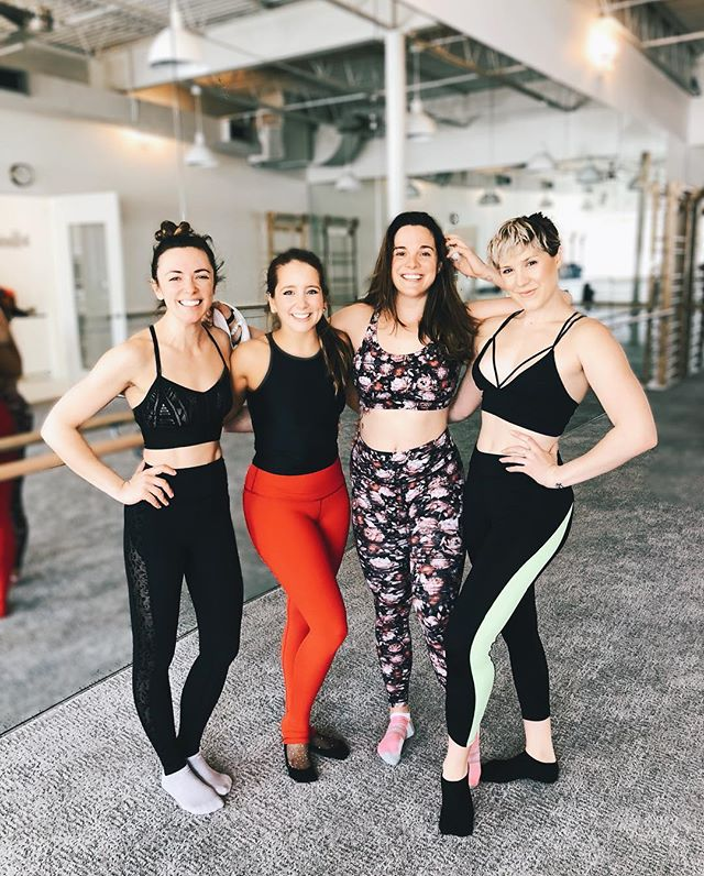 danced hard [on] the barre with these gorgeous gals today ::: thanks for having us, @barmethodwhiterocklake // we LOVED class by @laurenelisejohnson . . . #barredate #girlsdayout #shook #barrebuddies #workout #activelifestyle #sweattogether #barmethod #barreclass #trinas #aloyoga #lululemon
