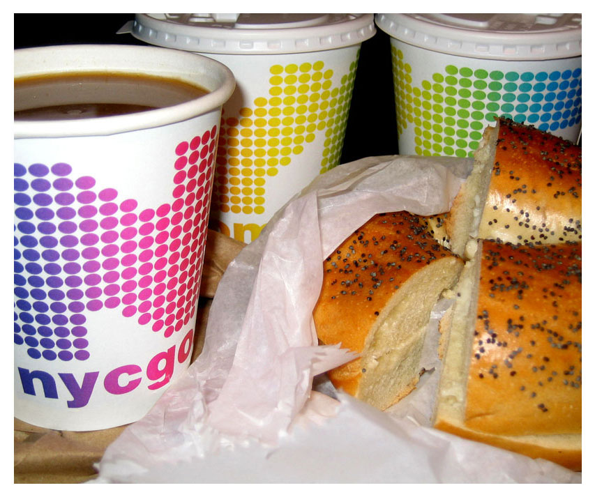 coffee cups with bagel