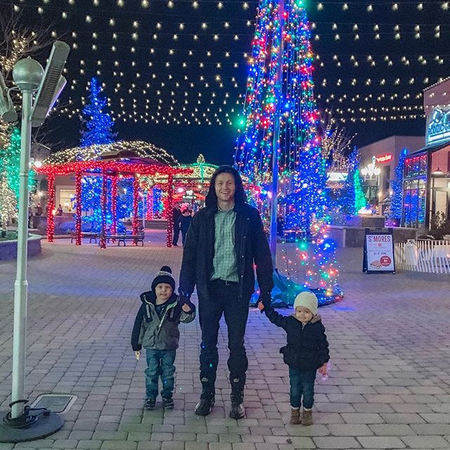 Christmas lights with my people. ��🎄 Could have sworn I packed warm clothes for Eli and then we got there and I couldn't find them anywhere, so instead we threw a bunch of blankets on him so he looked like a precious little shepherd boy 😅😂 luckily he didn't seem to mind! 🙈 #momlife got me like 🤪 -forgetting things left and right! Any one else losing their brains too? 🙃 . . . . . . Preset from @kendrabirdphotography �� #riverwoods #christmaslights #familyhomevening #togetherforever