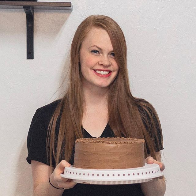 Despite the sugar overload with the holidays (anyone else feeling a little sugared out at this point? 😅🙋🏼‍♀️) I decided to try out another cake today - this time a yellow cake with chocolate frosting! That's our favorite cake combo in this household 😍 although I'll be honest, I didn't quite love the cake recipe I tried- it wasn't sweet enough so I was thinking the box cake we normally buy would have probably been better. 😬 Anyone have a great yellow cake recipe they want to send my way? 😍🙏🏻 I really want to find a stellar one! 🤞🏻🙌🏻 Also, you probably already noticed but this cake is a little lopsided on the top ha ha I have the hardest time leveling out my frosting! I can get the cake layers level just fine (well, sometimes 😂) but my frosting is a different story! Any tips you have for me with that part as well would be much appreciated! Teach me your ways Instagram peeps! ❤️🙏🏻 . . . . . . . #cakesofinstagram #chocolatebuttercream #yellowcake #insearchof #newrecipes #favoritecake #monthlycakebake #practice
