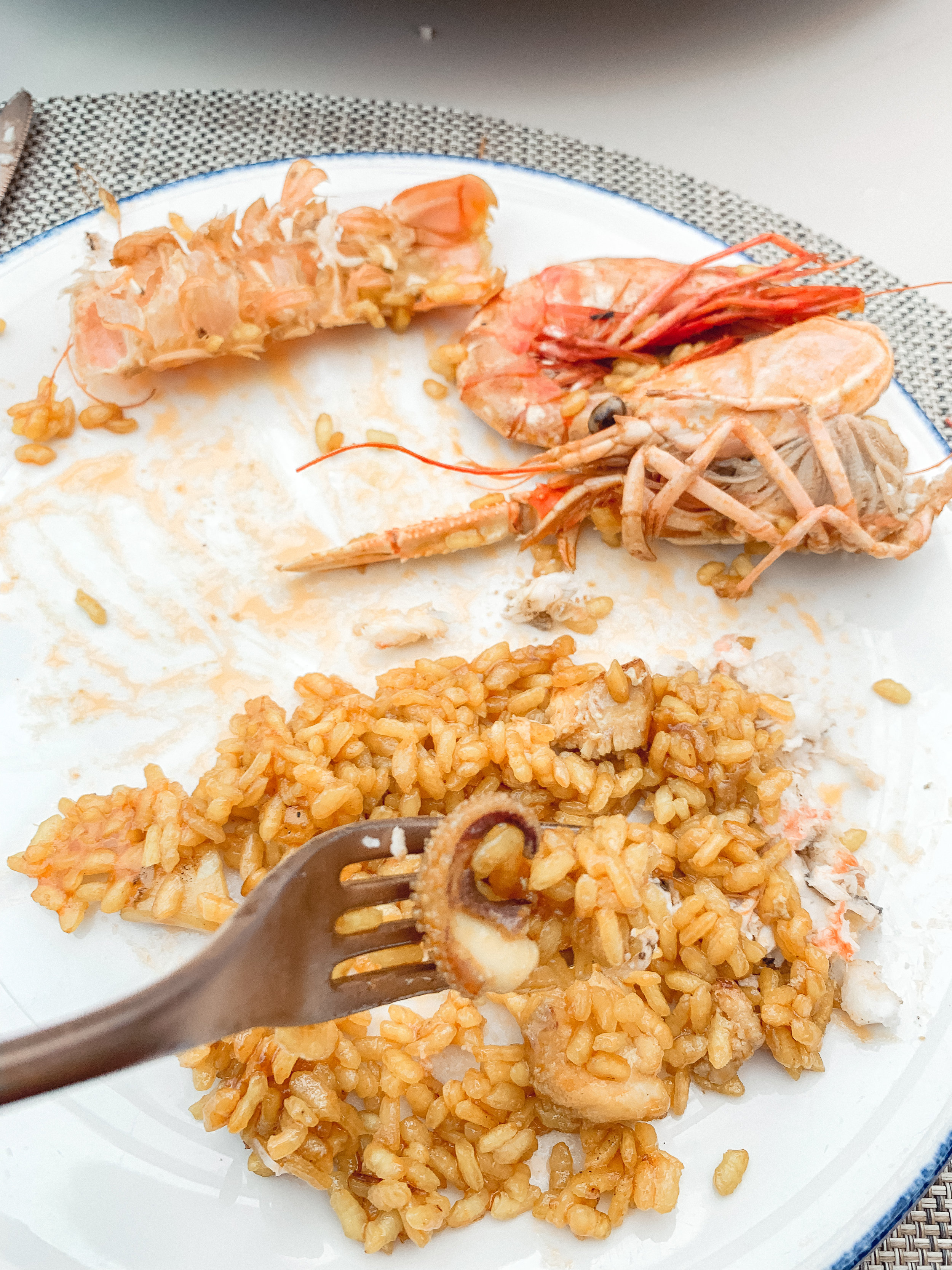 In the rice there were pieces of shrimp, fish and apparently squid! ha ha it was delicious!