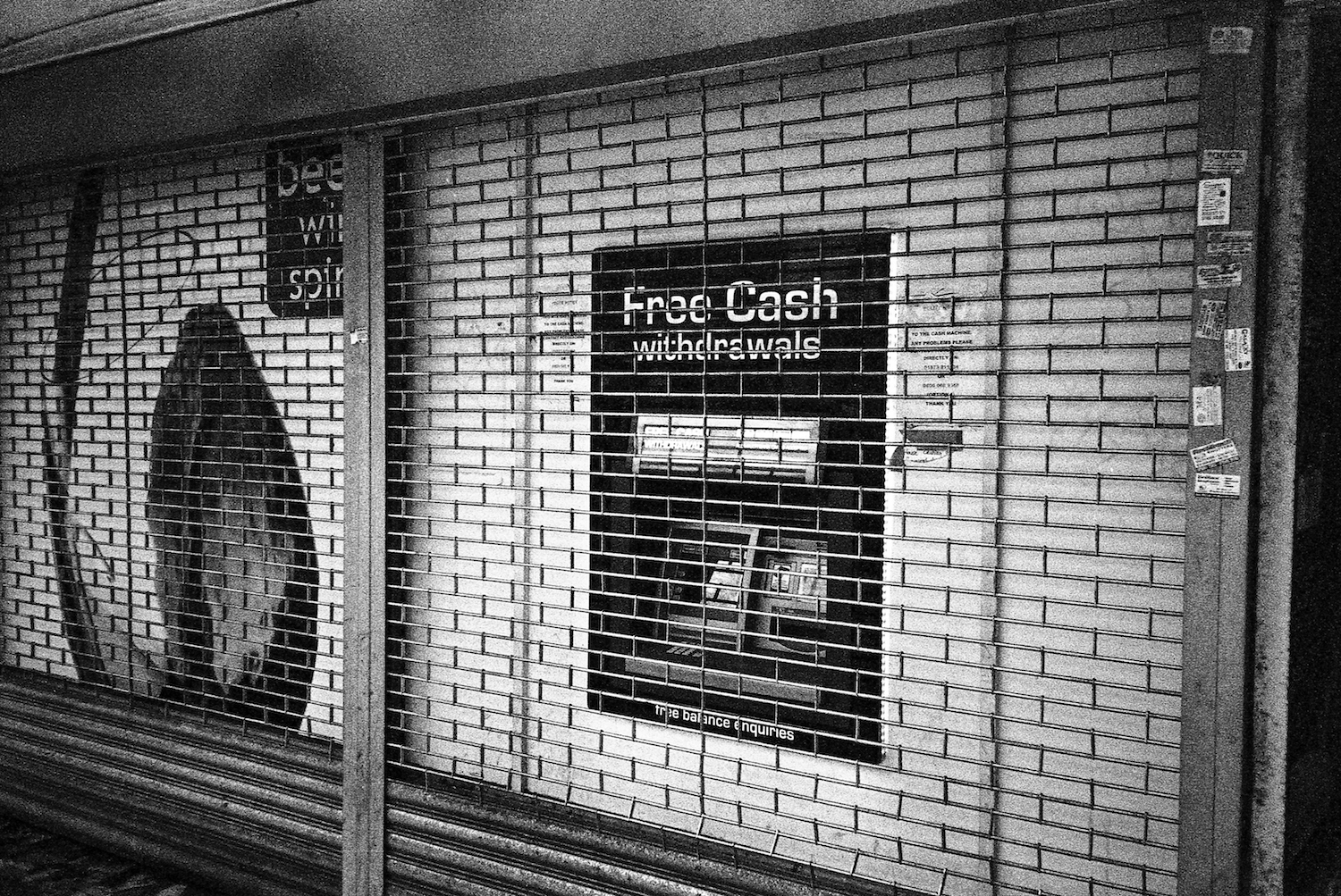 cash-machine-gravesend
