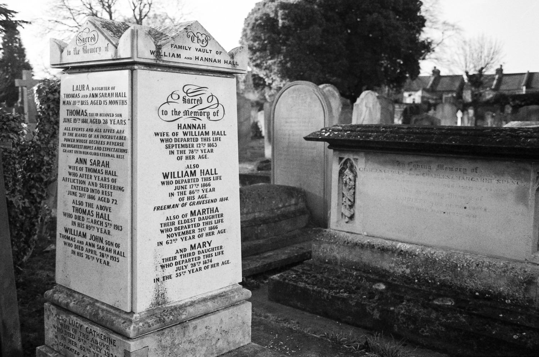 gravesend-cemetery.jpg