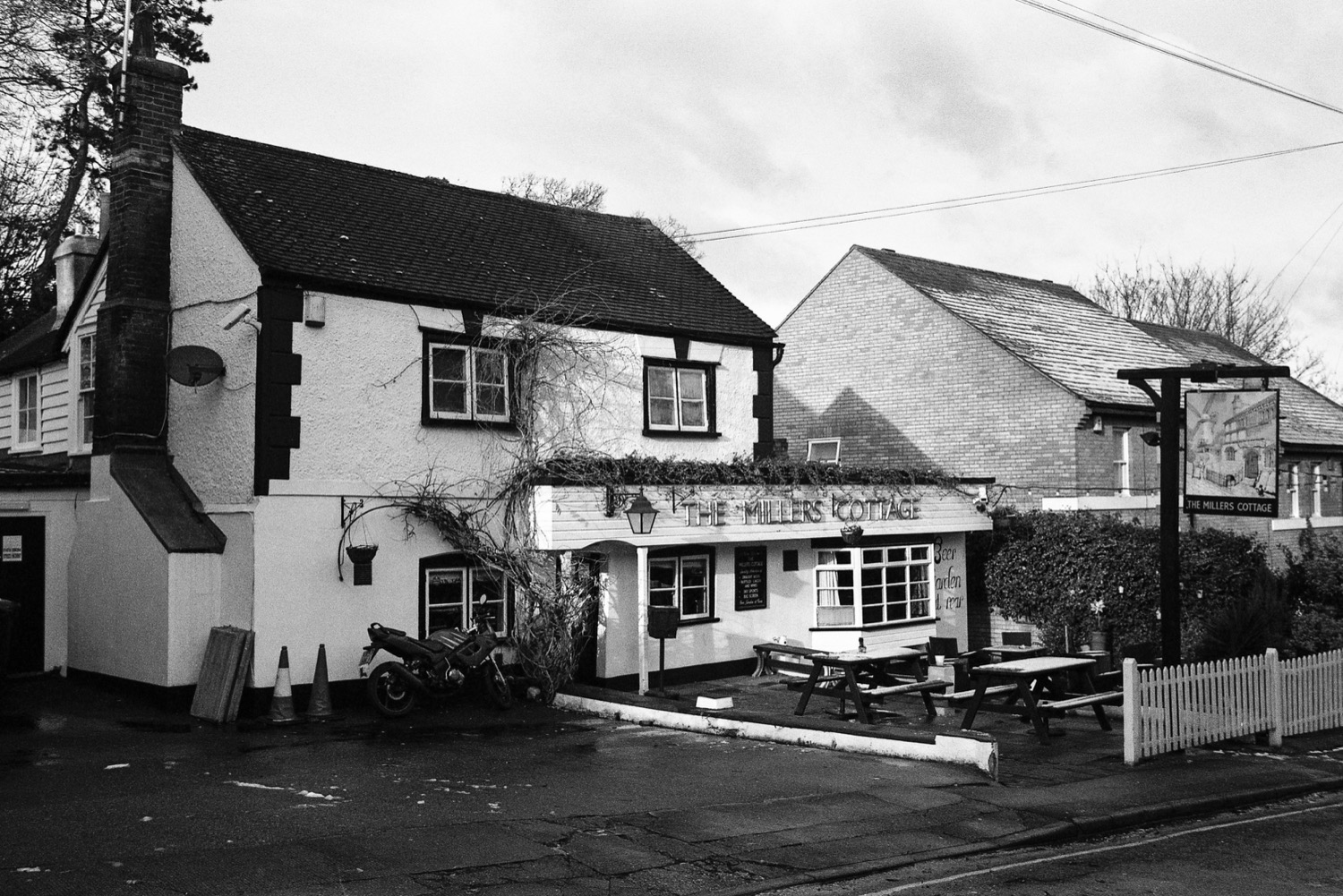 the-millers-cottage-gravesend.jpg