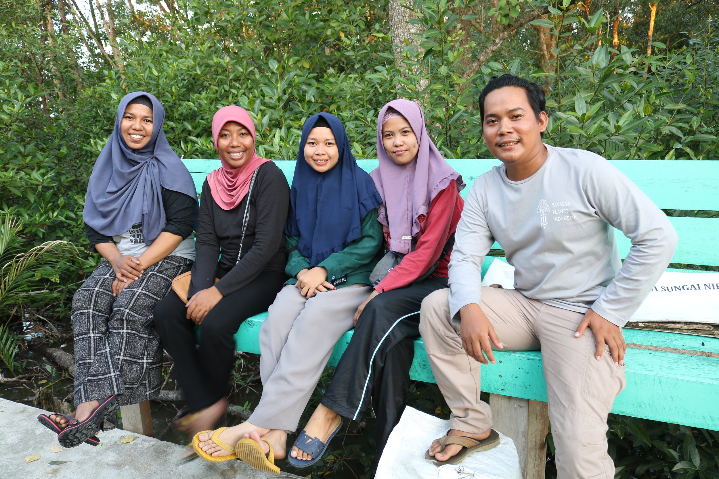 Our team with our new Forkani friends (from left to right: Yanti, Nusi, Fitria, Sri and Mizan) Photo: Maman/Blue Ventures