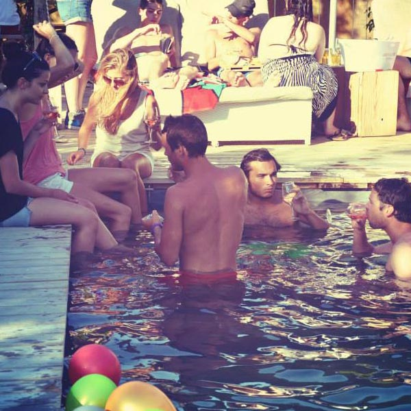 beachhouse_poolbar