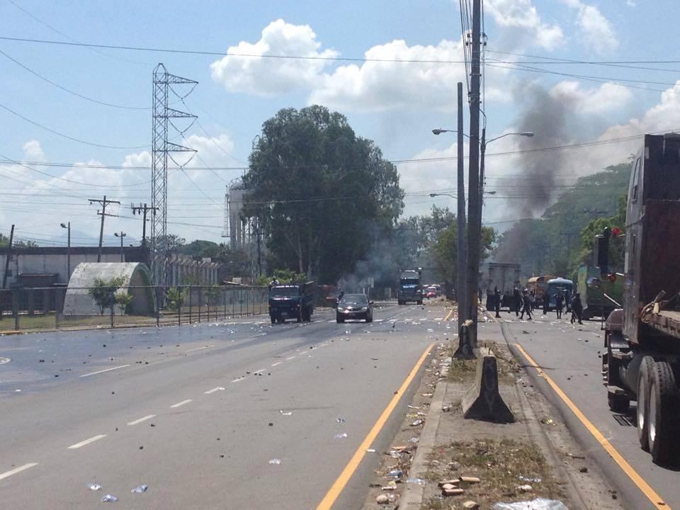 Photo caption: Protest outside of ZIP Bufalo, September 2, 2015. Photo by Radio Progreso