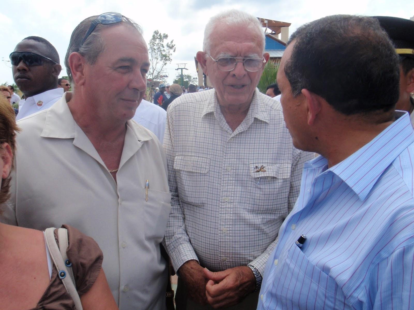 "Photo caption: Randy Jorgensen (left) with Ramon Lobo (center) and former President Porfirio ""Pepe"" Lobo (right). Photo from Life Vision Development."