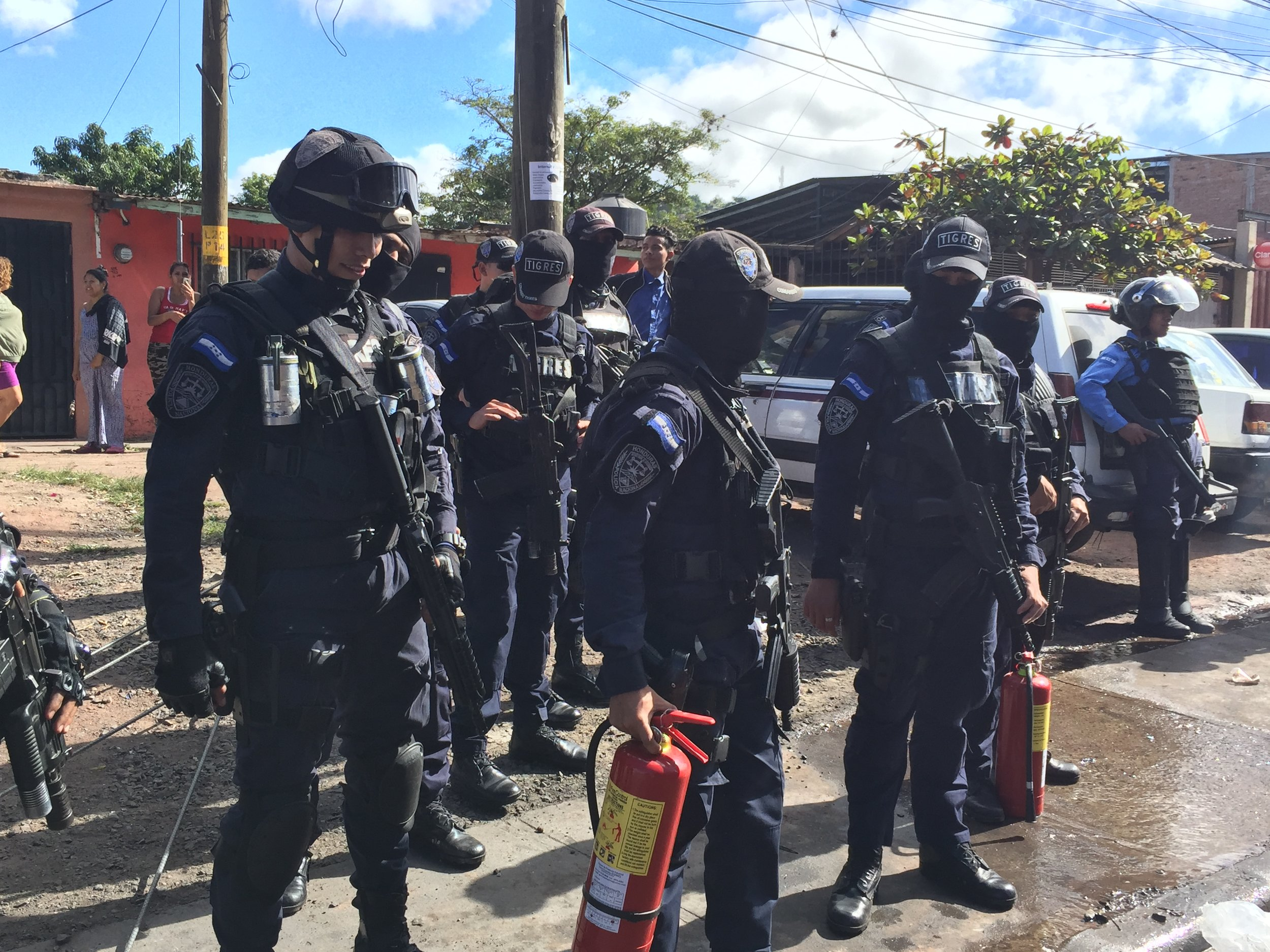 US-trained, funded, and vetted TIGRES elite police force at a road blockade in Tegucigalpa. Photo by: Honduras Solidarity Network