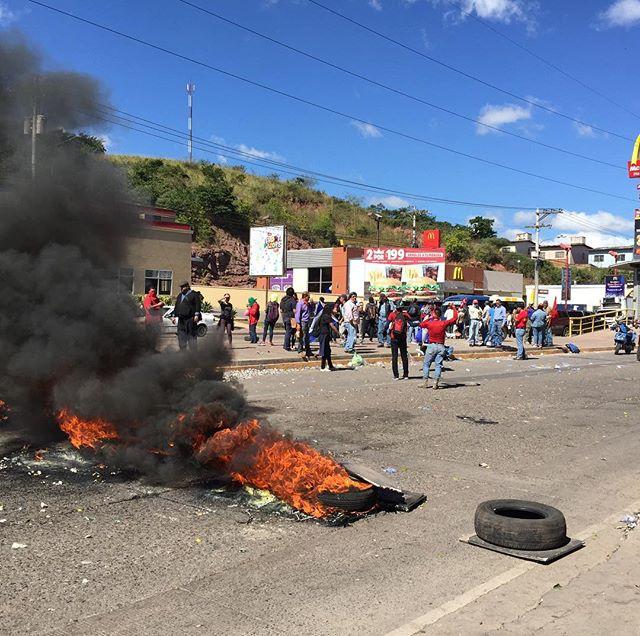 More road blockades in #Honduras against electoral fraud