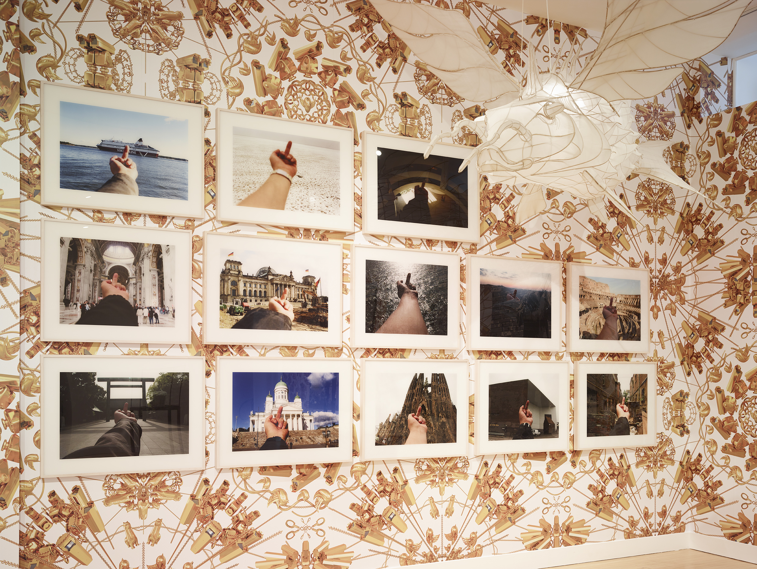 160508_HainesGallery_AiWeiWei_Overrated_RDH_194.jpg