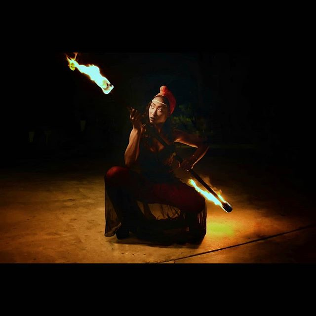 I am deeply loved and divenly blessed. I create my own sacred light, so I honor the goddess within. 🔮✨👆🏾💡 . . . 📷: @artbytriiini 💕: @amiiiritafari  #firedancer #fireperformer #model #actor #performer #losangeles #hollywood #mystic #magick #mantra #spirit #goddessvibes #goddesswithin #sacred #light #melaninpoppin #blackgirlmagic #eatprayslay