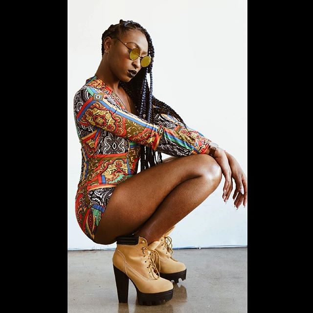 Woman of Color. 🌈✨🔮 . . . 📷: @dabbleinfocus 💁🏾: @indiminiii #model #actor #performer #dtla #hollywood #studio #womanofcolor #melaninpoppin #mystic #timeless #blackgirlmagic