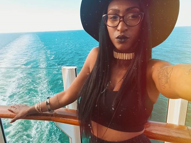 You will never cross the ocean by just staring at the water. ✨🌊🦀 . . . I've prided my adult life on travel experiences. The mindset. Not the destinations. To tap into the nomadic habits that make exploration not a want but a necessity. Never get comfortable. Literally manifest destiny. #manifestdestiny #nakeytatheexplorer #royalganggang #diamondbaby #bahamas #theview