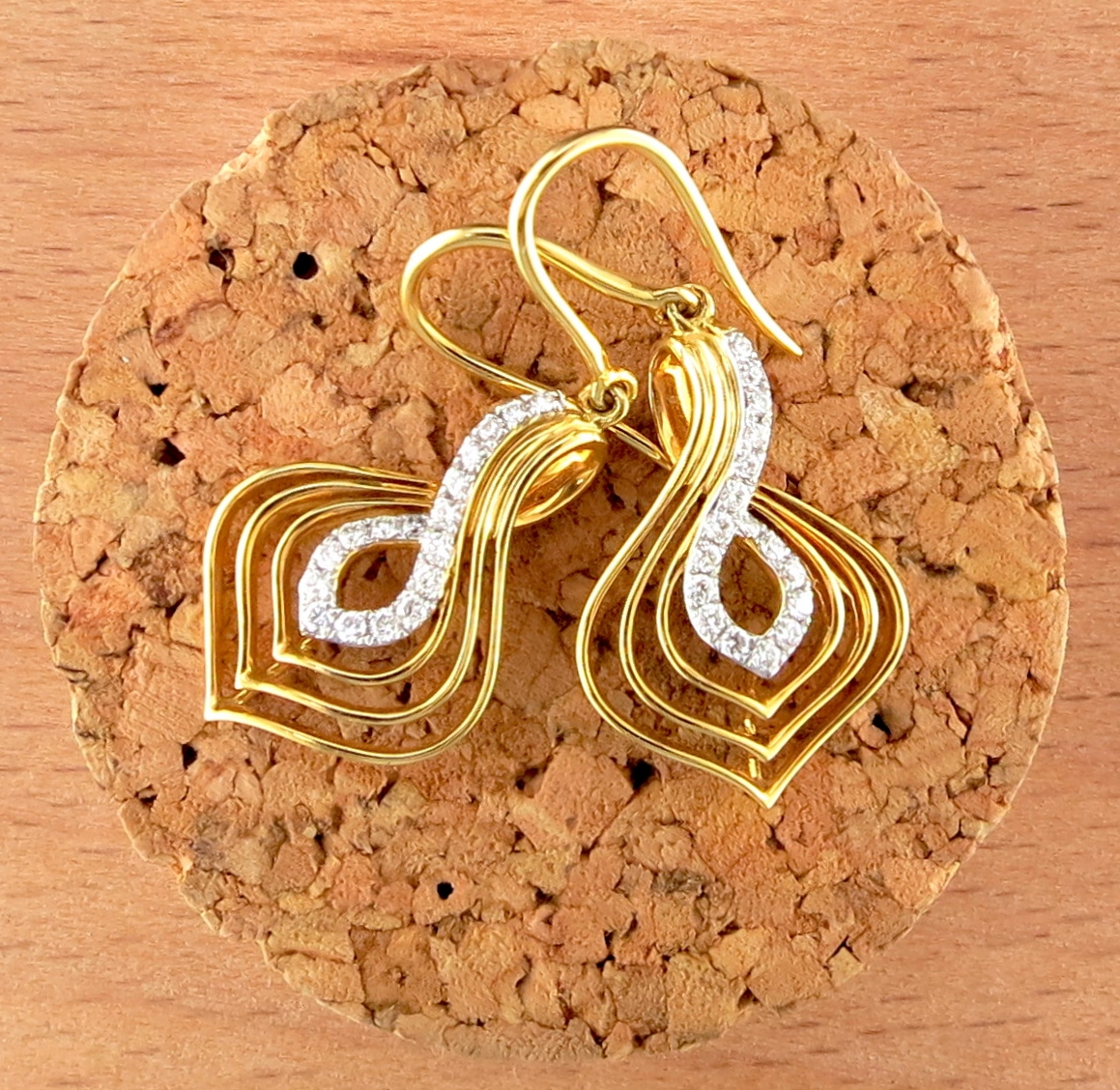 18 Karat Yellow Gold Dangle Earrings, accented with Diamonds (MB1139)