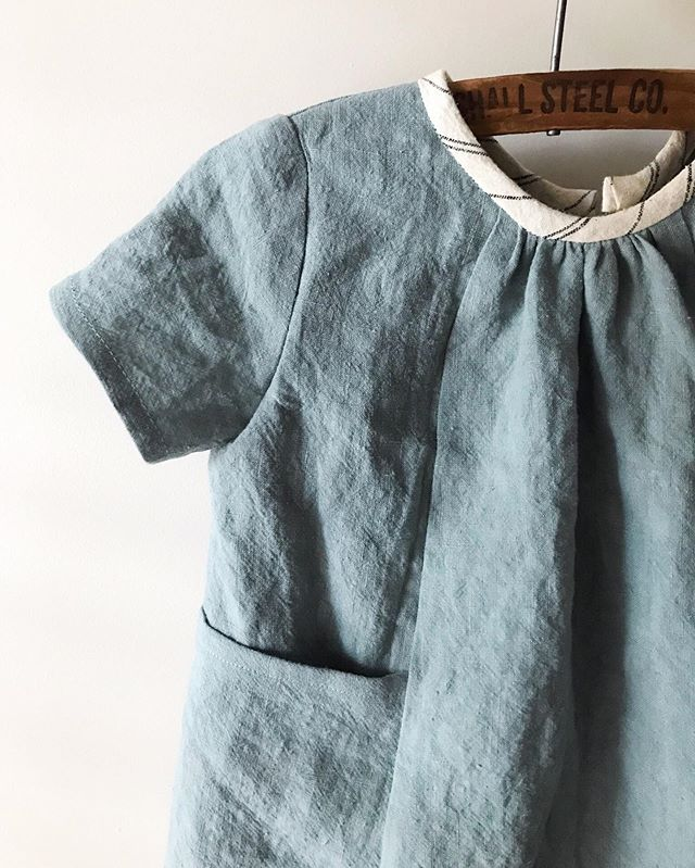 a sweet little #wikstensmockdress made with @blackbirdfabrics washed linen in dusty jade.  #selflesssewingseptember