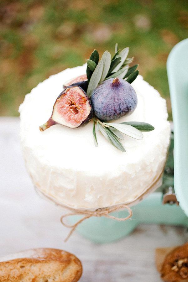 White cake with fruit