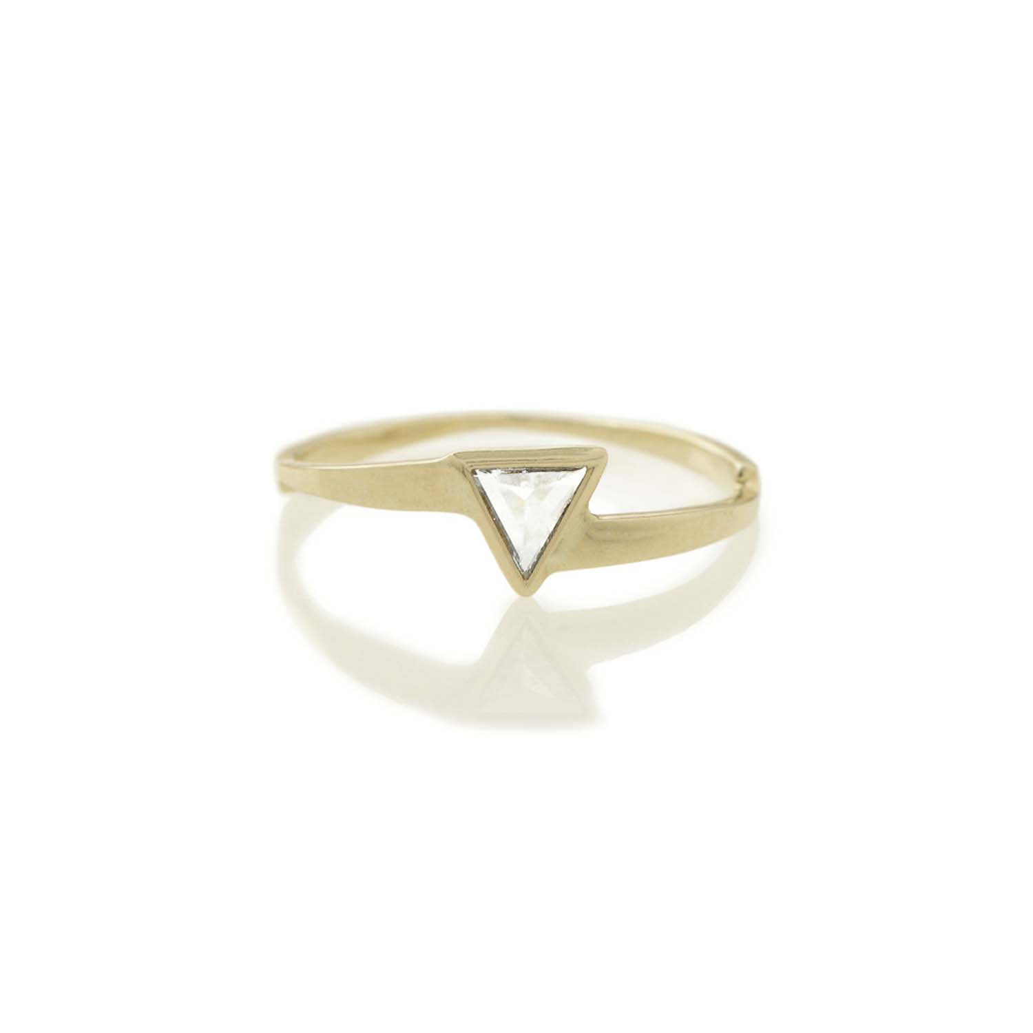 Single Triangle Ring