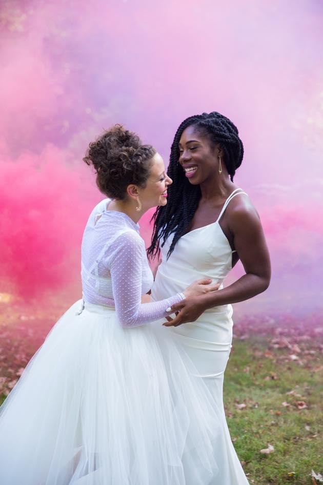 Pink and Purple Smoke Bomb Couple