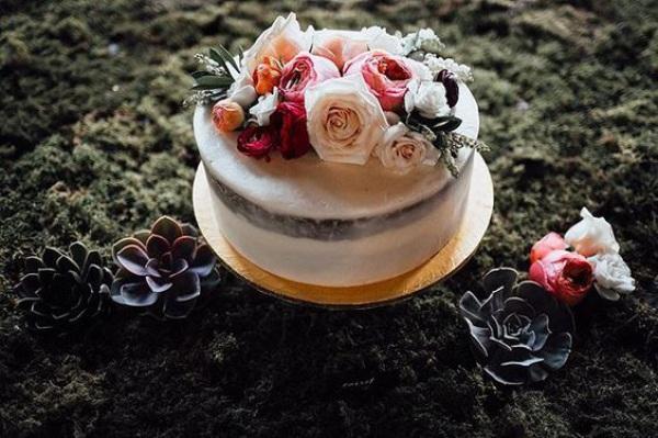 Single Tier White Wedding Cake Semi-Naked with Flowers