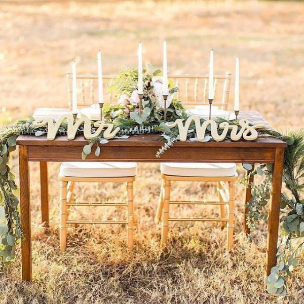 Sweetheart Table with Mr and Mrs Lettering