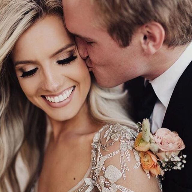 Top 10 wedding makeup looks are now featured on our blog! These are all flawless and sure to make you look like a beautiful bride! Link in profile. Inspiration via @edenstrader @lxsnchls . . . #bohobride #bohowedding #wedding #brideandgroom #bridalmakeup #instabride #weddingmakeup #makeup #makeupartist
