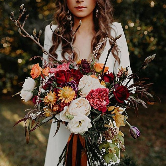 Autumn floral bouquets are fabulous with bold colors and rustic greenery! We've featured our top 12 fall bouquet favorites on our blog now! Link in profile! Inspiration via @ash_and_stone @woods_and_bloom . . . #bohowedding #fallwedding #autumn #autumnflowers #flowers #weddingbouquet #weddinginspiration