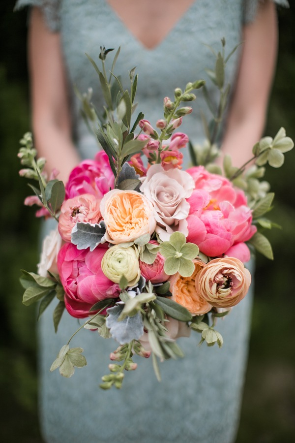Spring Floral Wedding Bouquets with Bright Tones