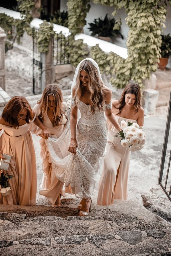 Bride with Bridesmaids in Pastel Pink Dresses