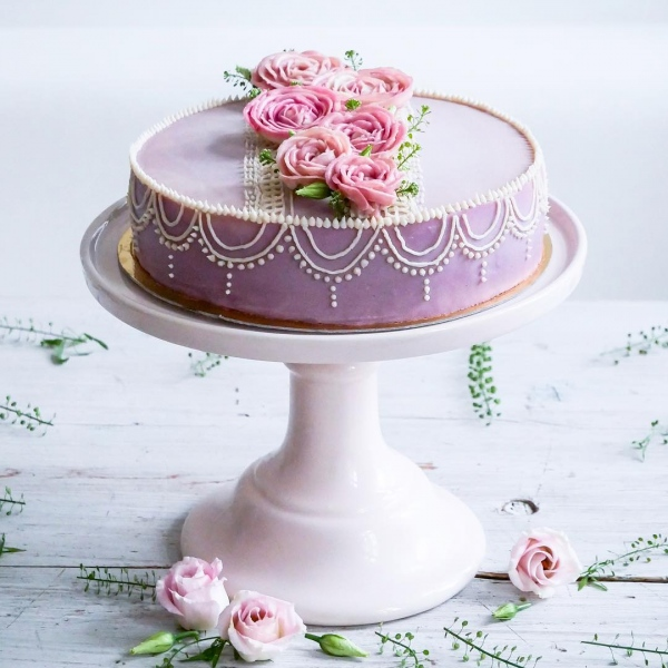 Wedding Cake with Flowers One Tier.jpg