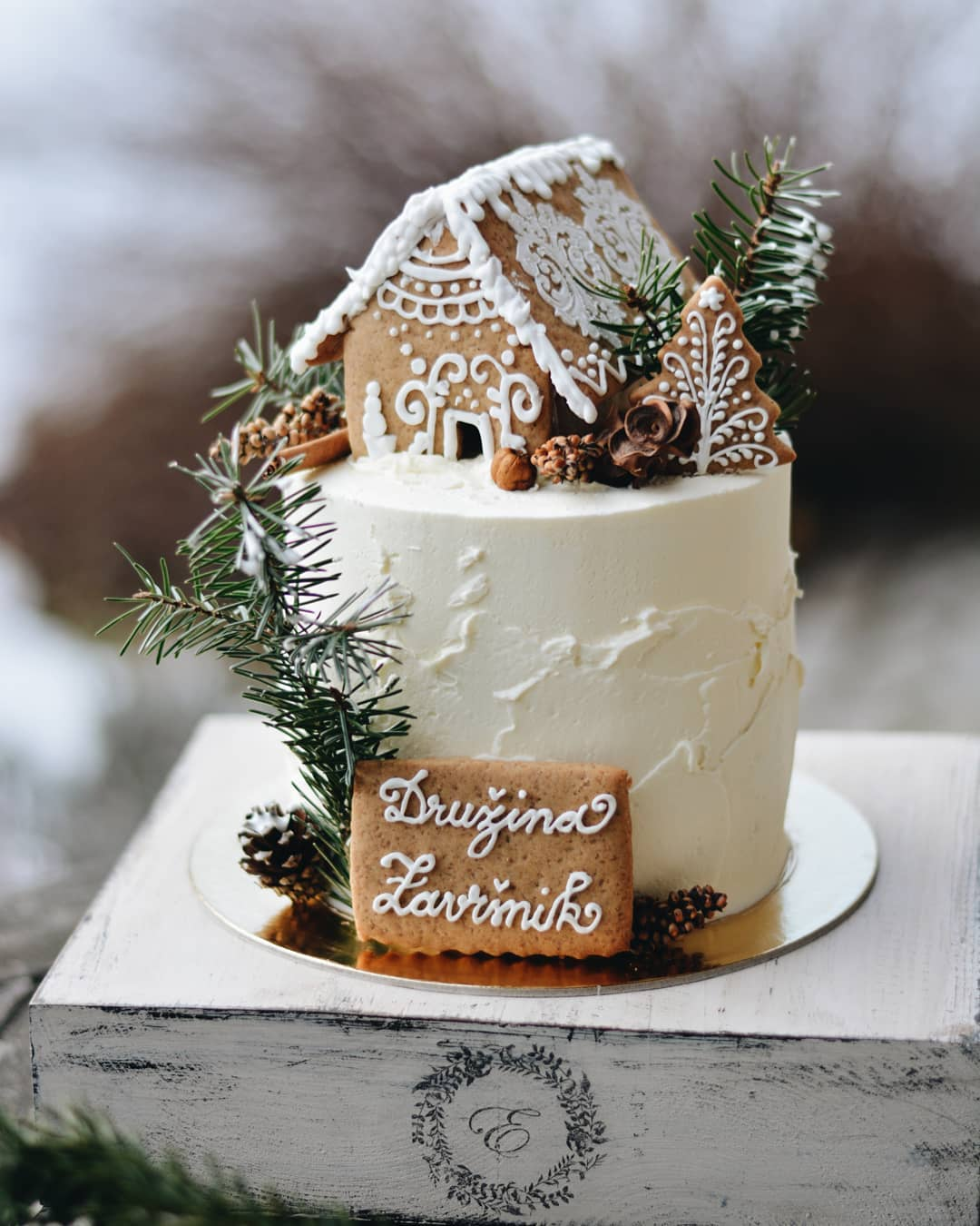 Winter Wedding Cake with Gingerbread