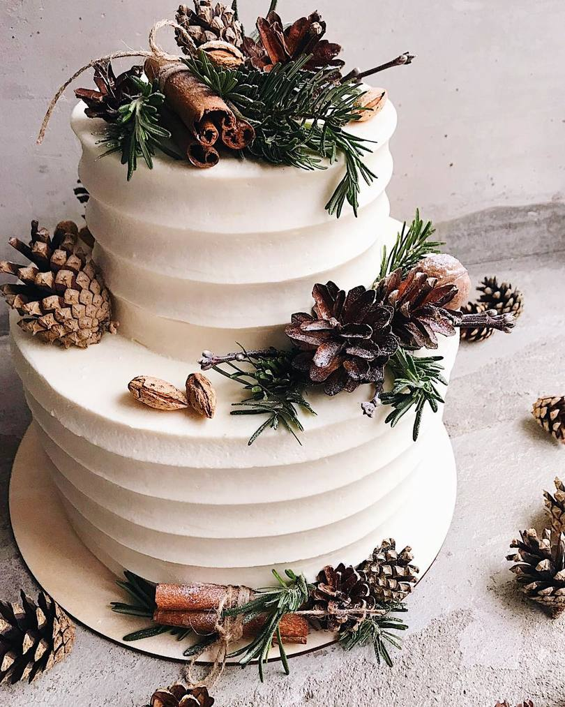 Winter Wedding Cakes with Rustic Details