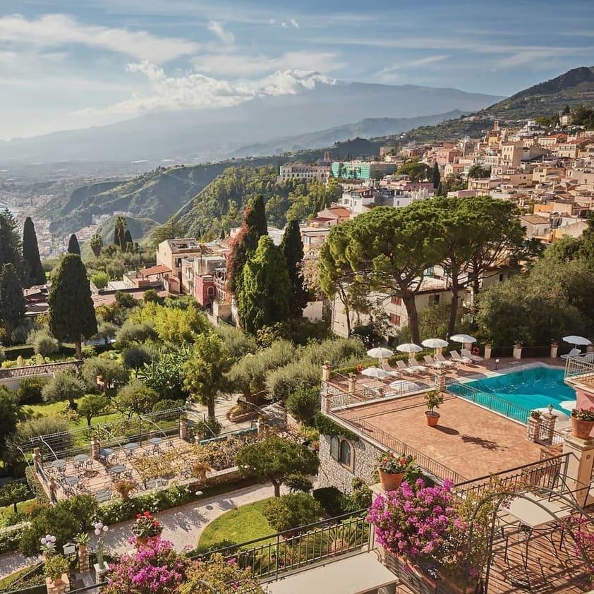 Pool Venue in Italy