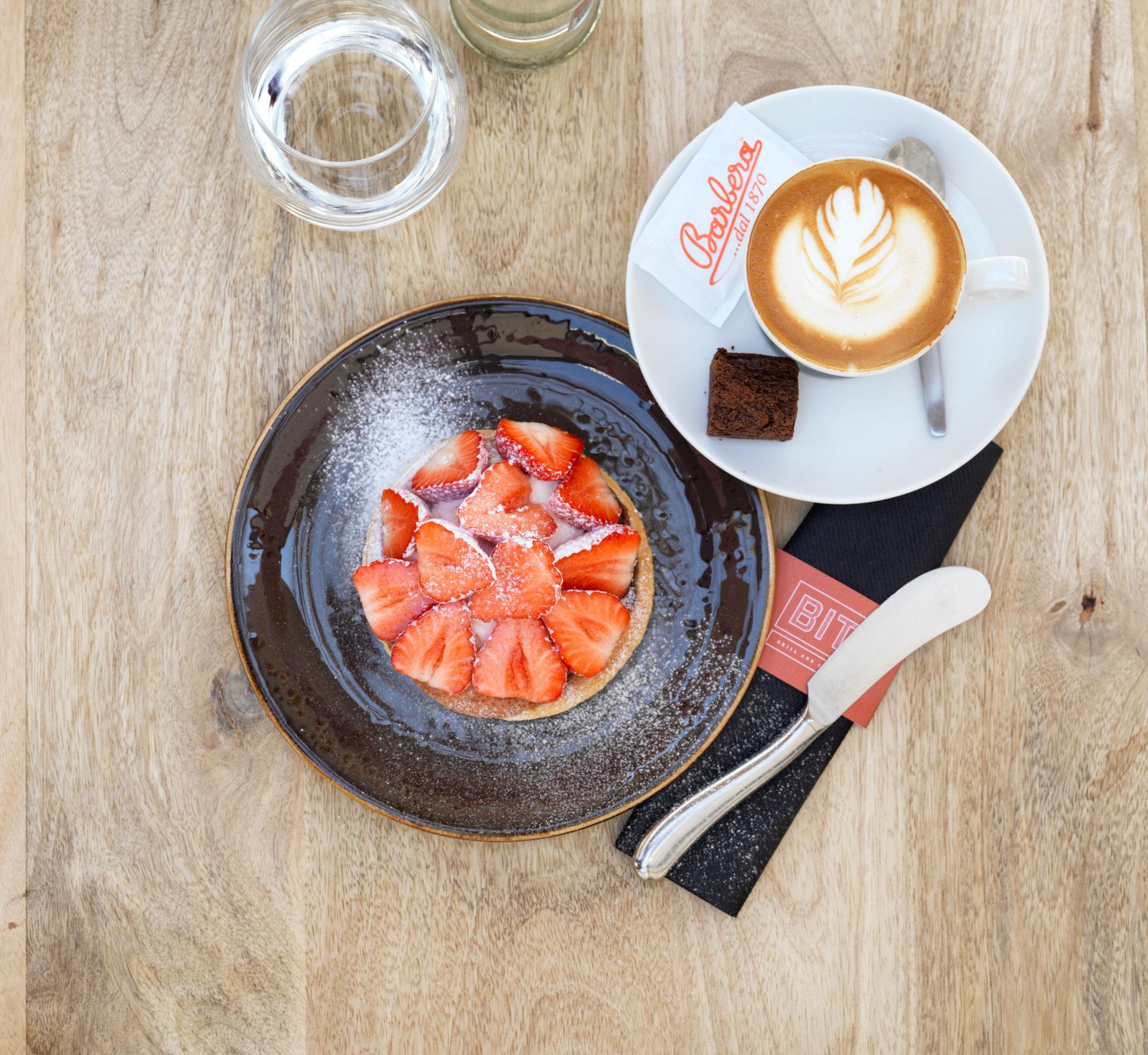 Aardbeientaart BIT Grill & Café