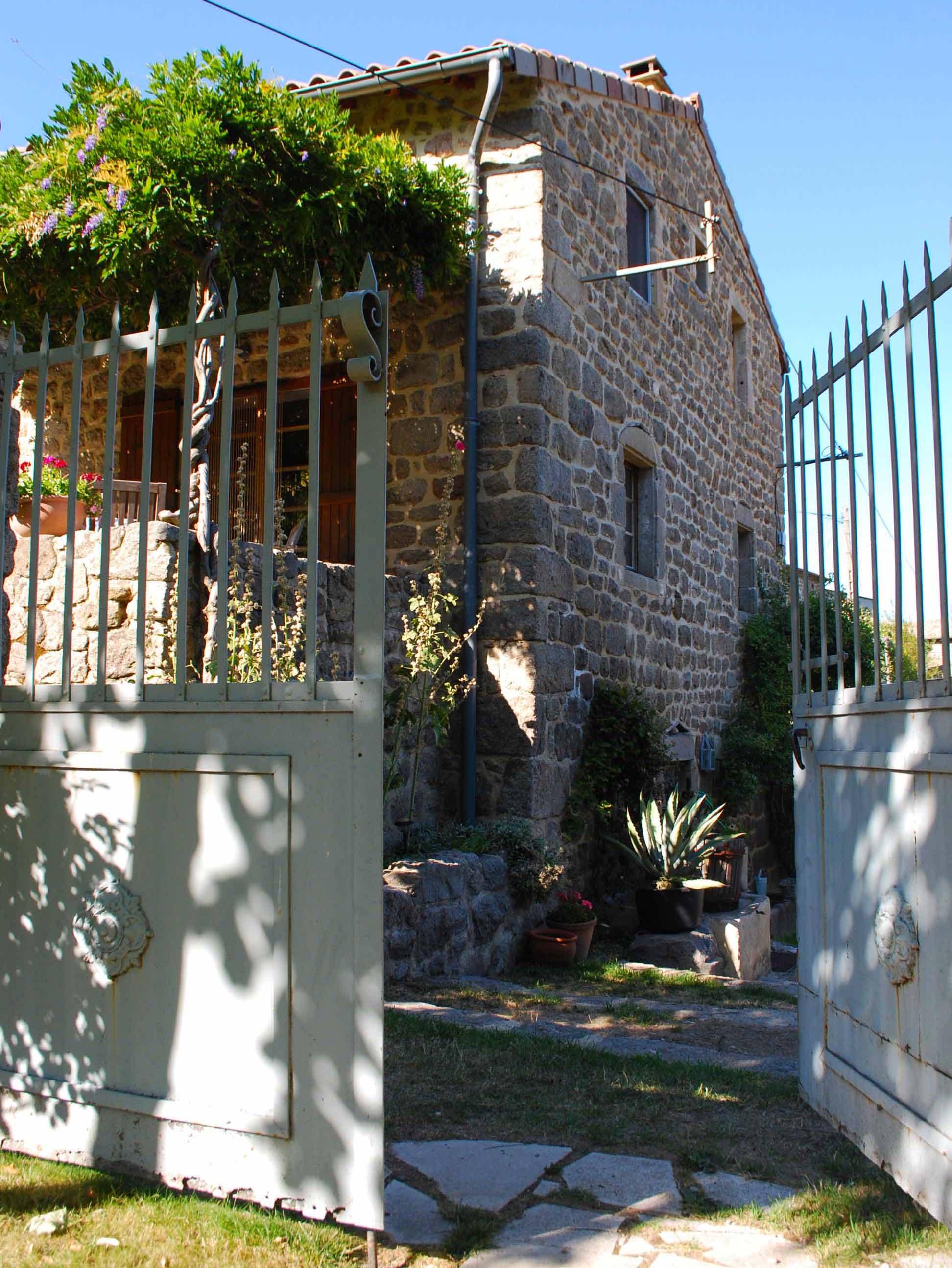 maison craux_petite maison_front page.jpg