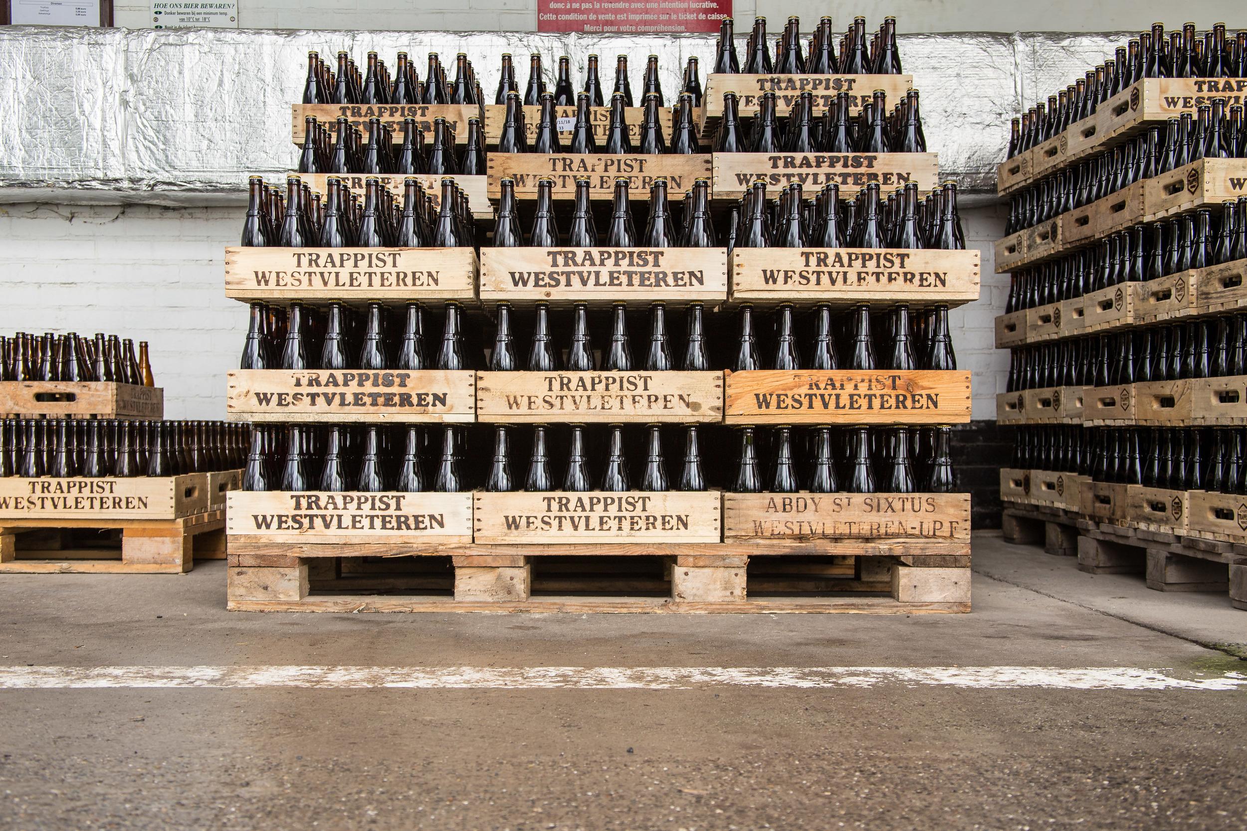Houten bakken bier Trappist Westvleteren nummer twaalf