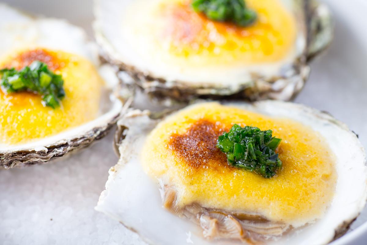 Platte Zeeuwse oester 3, 'au gratin'