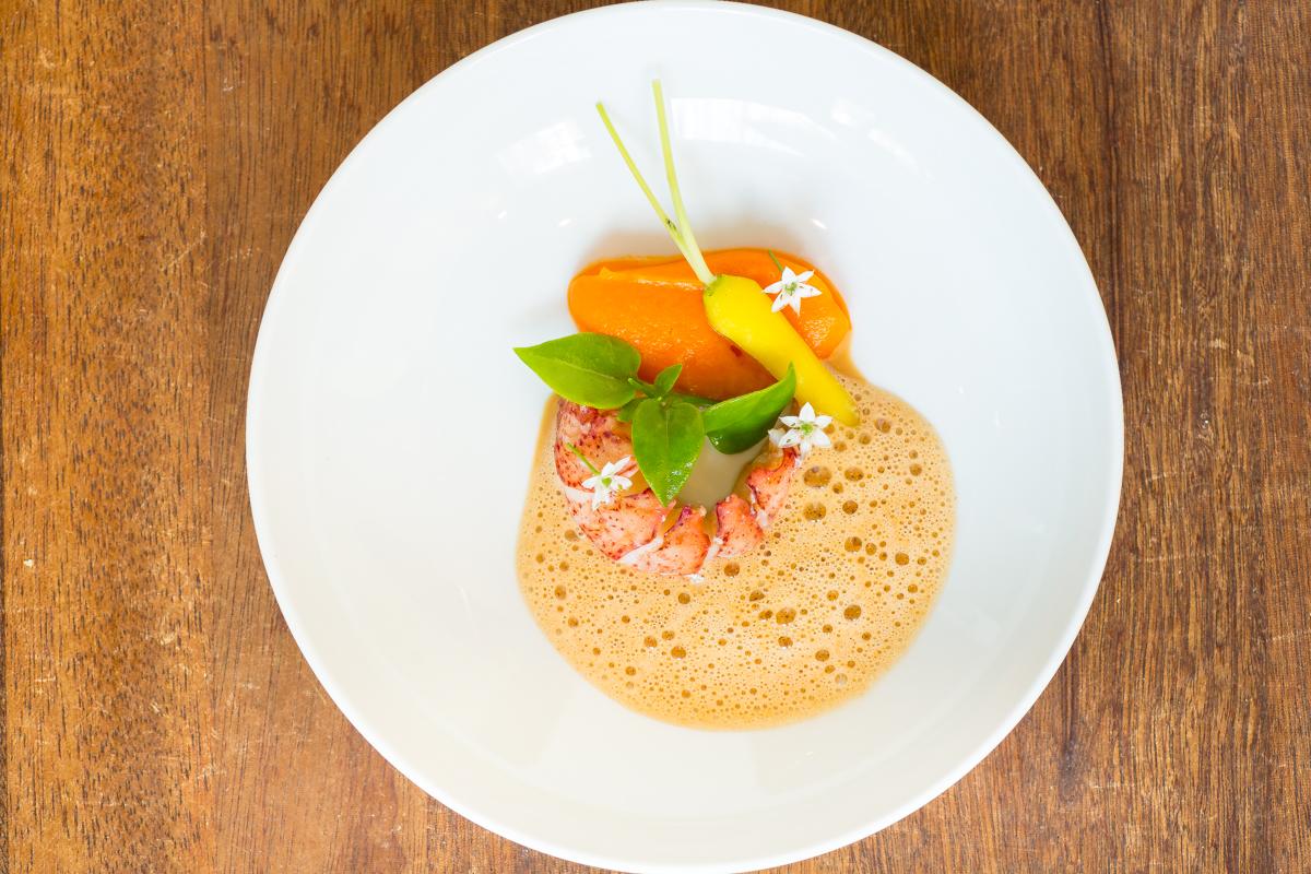 Kreeft, bospeen en jus met saffraan | restaurant Calla's