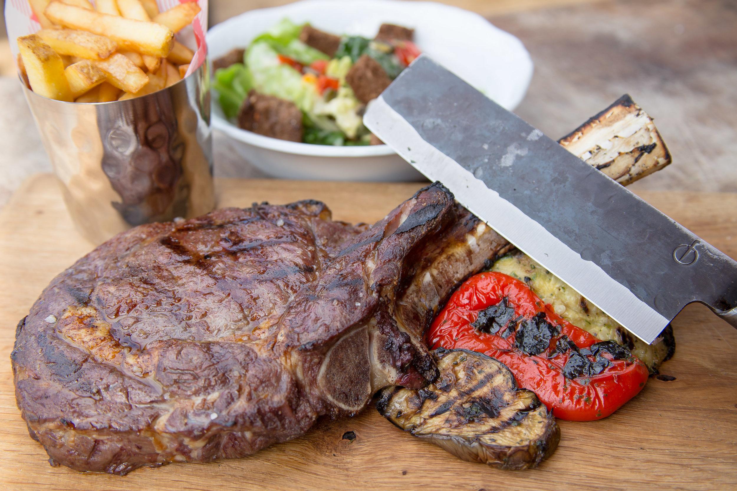 Tomahawk Steak , T-Bone Steak