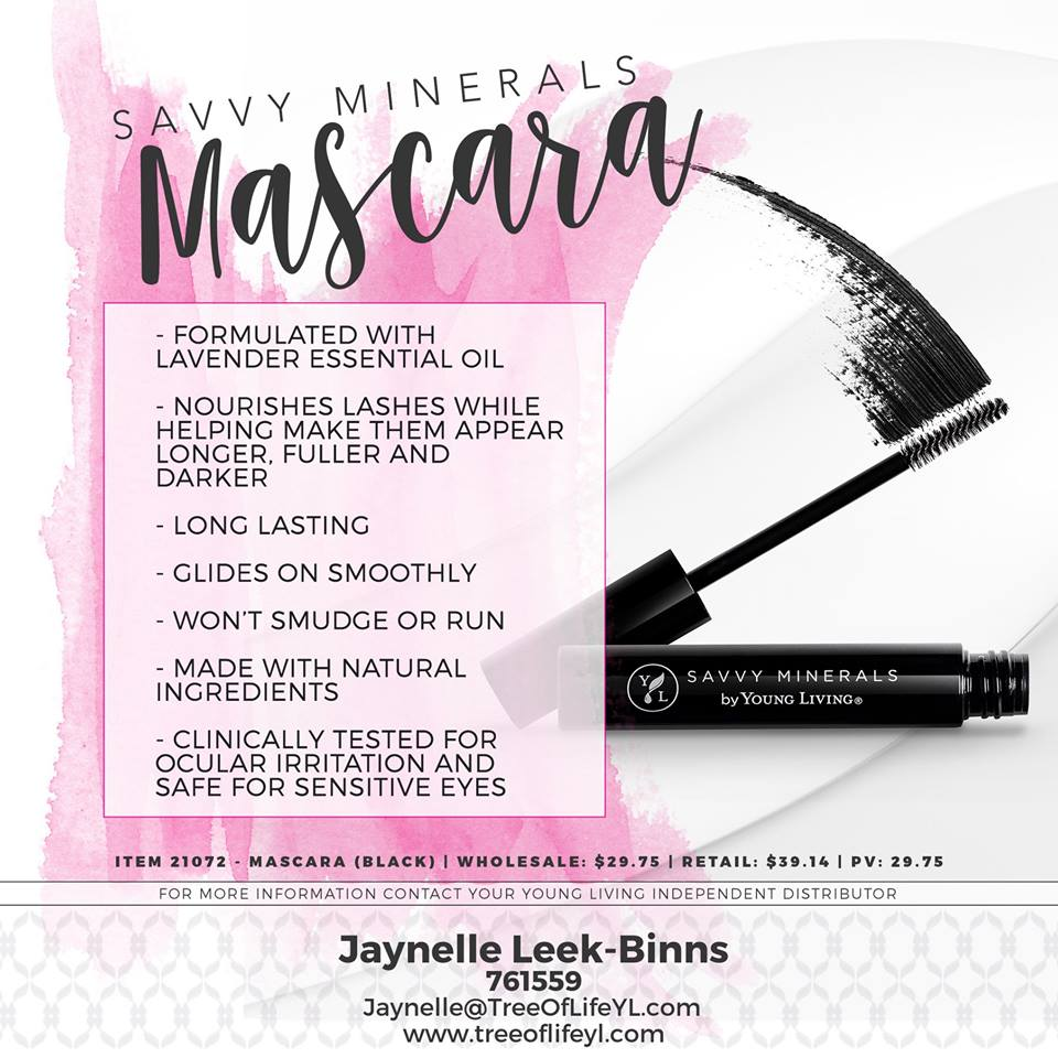 This natural mascara nourishes your lashes and last all day long!