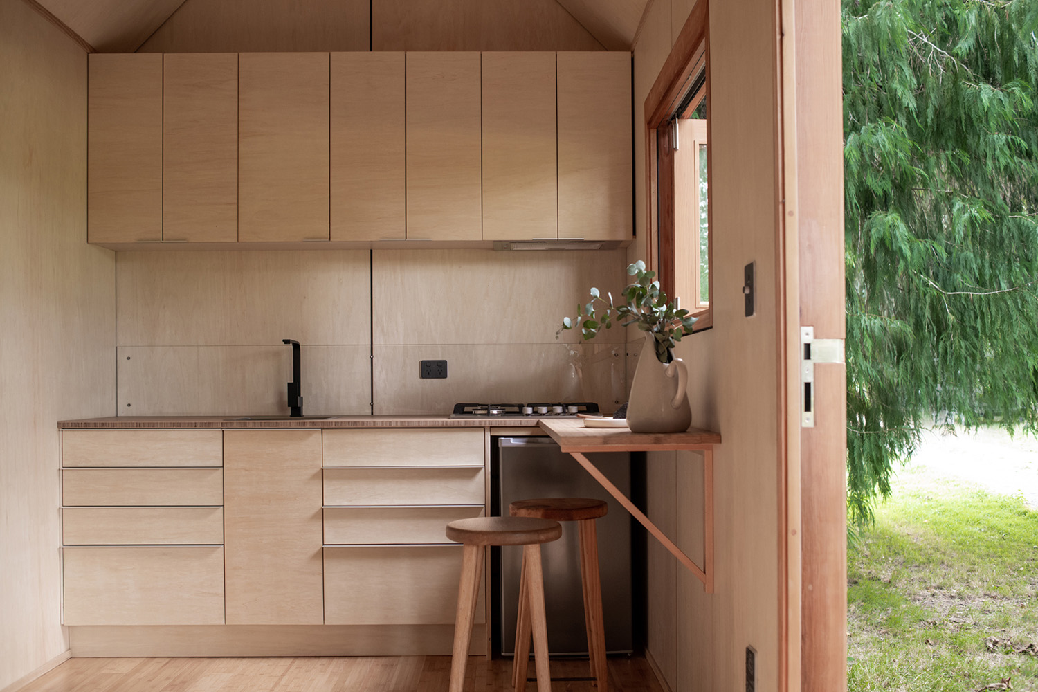 Elegant modern tiny house inspired by nature