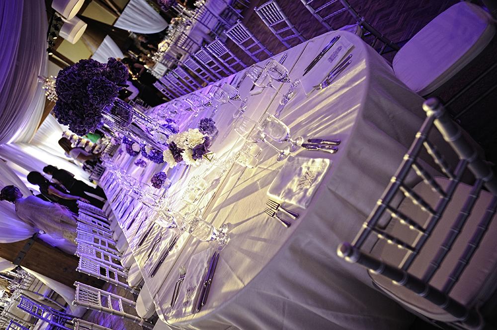 Purple & White Tablesetting